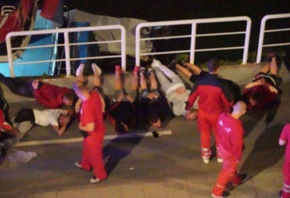 """""""Спасувавме жива глава"""": Десетина лица повредени во хаосот во Белград"""