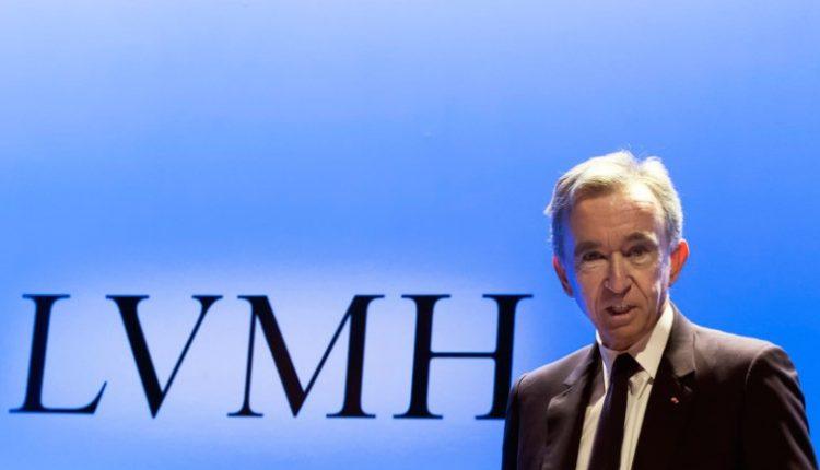 """Сопственикот на """"Луи Витон"""" е новиот најбогат човек на светот"""