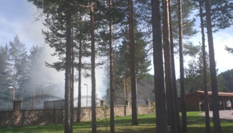 (ФОТО) Испукана петарда е можната причина за пожарот кај Беровското Езеро