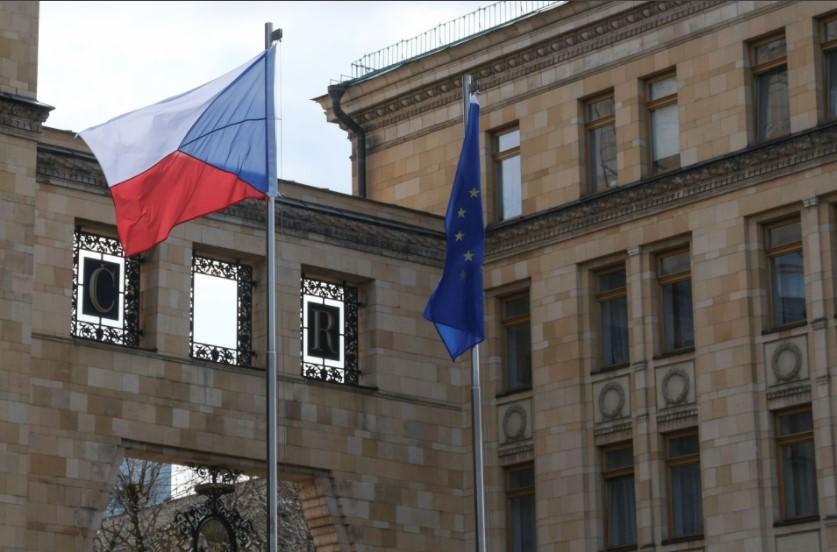 Чешка со барање до ЕУ: Сите да протерате по еден руски дипломат!