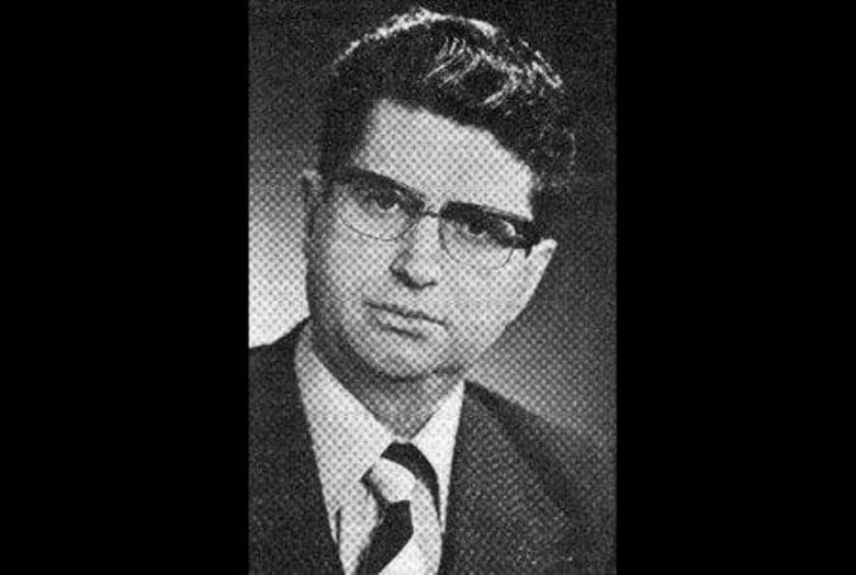 Последен поздрав на Мицкоски до Драган Богдановски, еден од основачите на ВМРО-ДПМНЕ