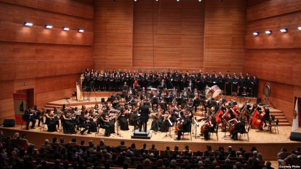 Концерт на Филхармонија во чест на македонскиот револуционер: Диригентот е внук на  Гоце Делчев