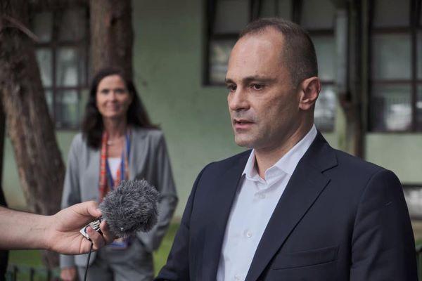 """Филипче: Вакцината """"Синовак"""" е ефикасна и одобрена од СЗО"""