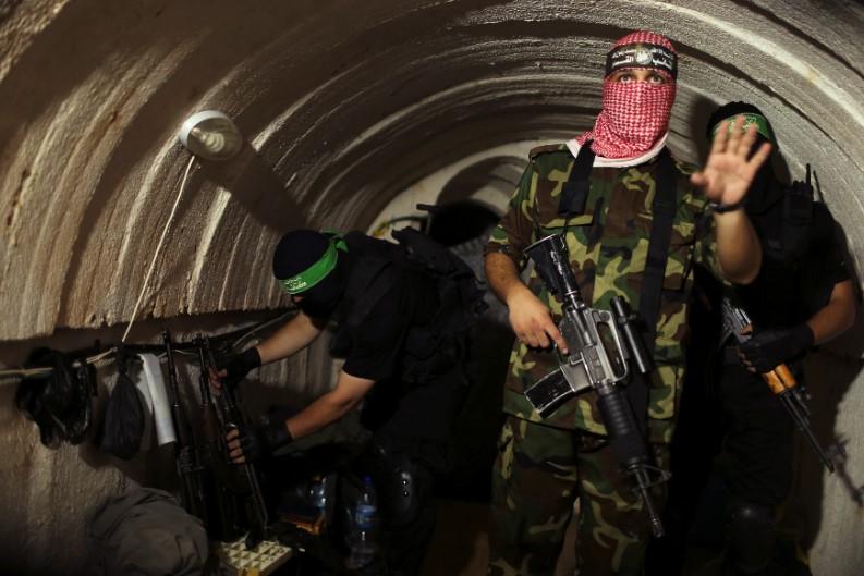 (ВИДЕО) Израелската армија уништи 15 километри тунели на Хамас во Газа