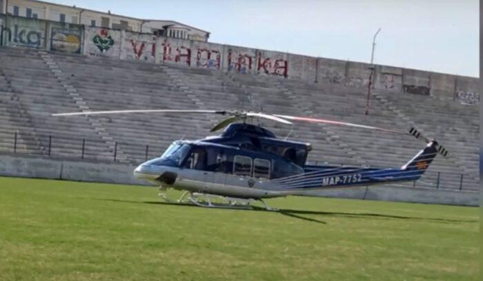 ПОЖАРОТ ВО ГАЛИЧНИК НАДВОР ОД КОНТРОЛА: Приземјен хеликоптерот на Армијата