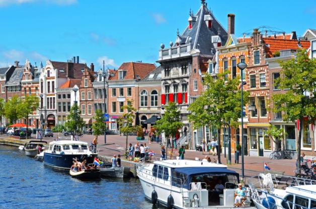Холандија го одложува олеснувањето на анти-ковид мерките