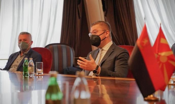 Мицкоски ќе објави нова афера во која се вмешани владини функционери блиски до премиерот