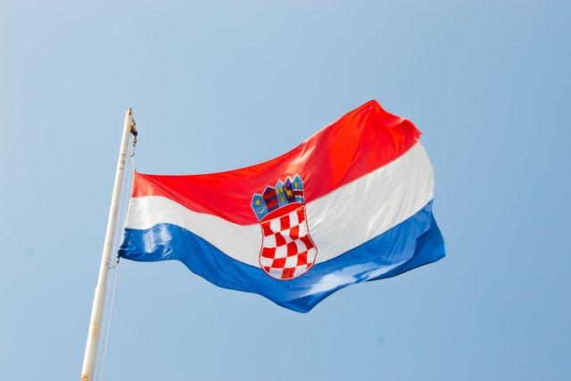 Хрватска почна со донација на вакцини во БиХ, Црна Гора и Косово