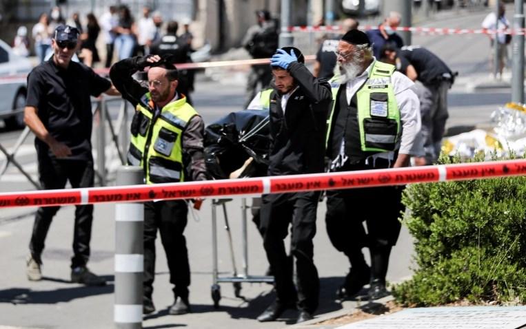 (ВИДЕО) Хаос во Израел: Извршен напад со нож врз војник