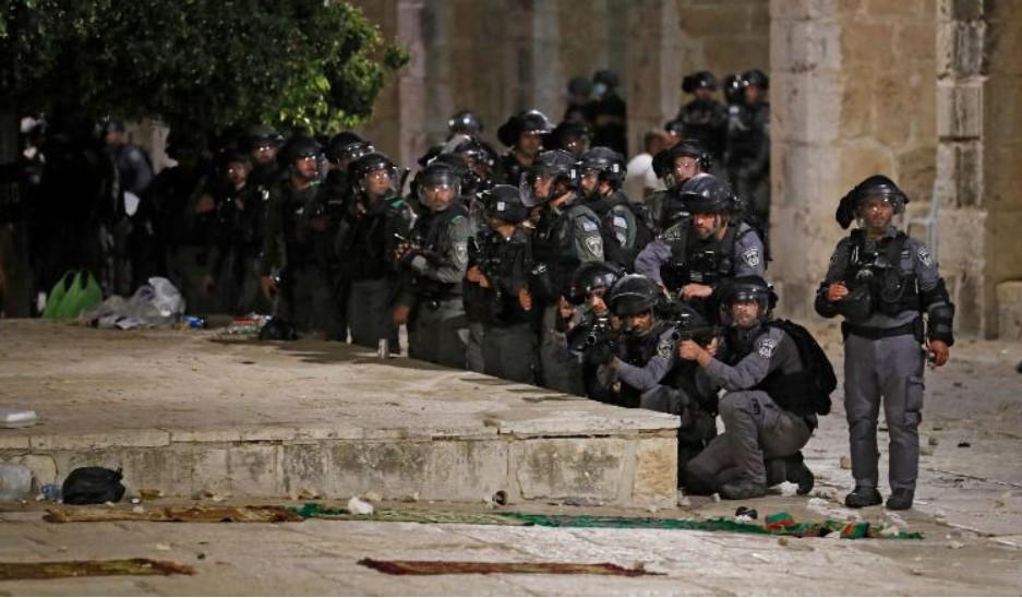 (ВО ЖИВО) Израелската војска и авијација во моментов го напаѓаат Појасот Газа