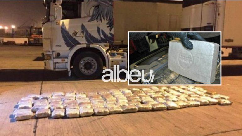 Запленети 400 килограми кокаин во камион натоварен со месо