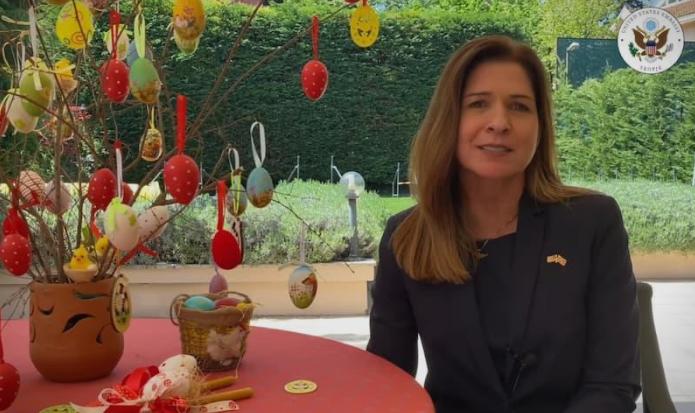(ВИДЕО) Кејт Мери Брнз на македонски јазик го честиташе празникот Велигден