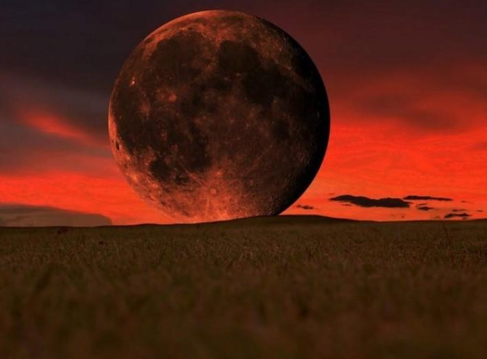 """Што е значењето на """"Крвавата"""" месечина и што да очекувате од неа?"""