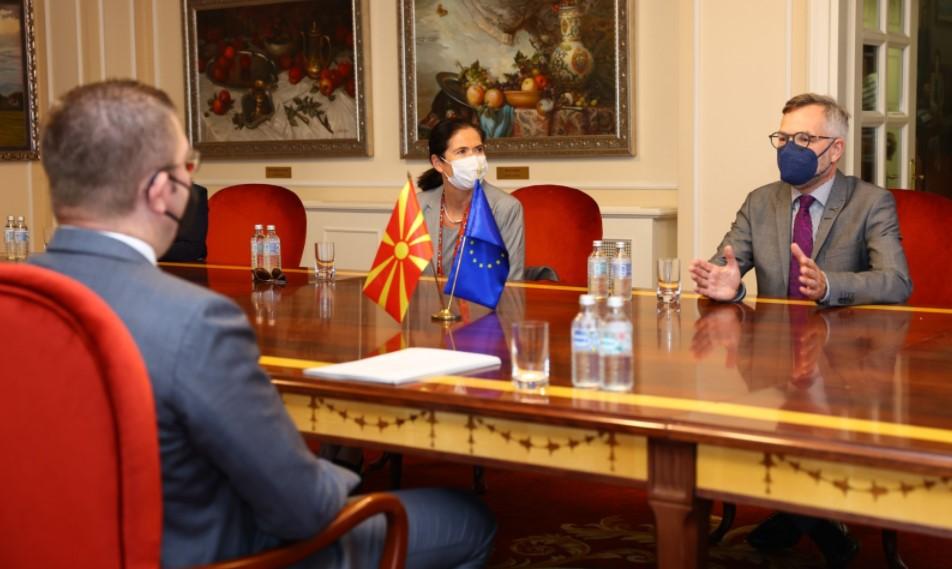 Мицкоски на средба со министерот за Европа на СР Германија, Михаил Рот