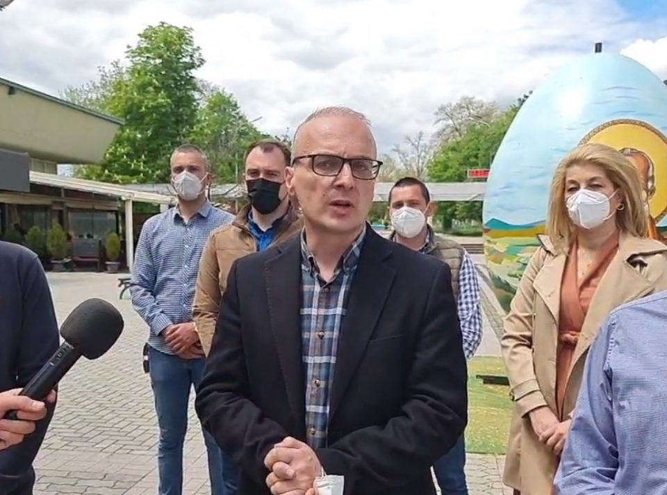Mилошоски: Имаме документ кој докажува дека Филипче и Заев трчаа по провизии во набавката на кинески вакцини