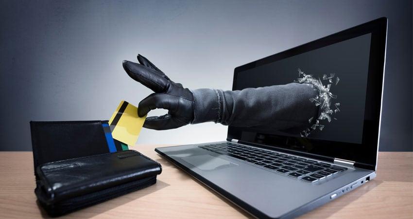 Затвореник измамил охриѓанец преку Фејсбук и си подигнал кредит