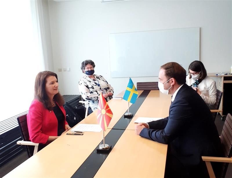 Шведската министерка Ан Линде ќе се сретне со Заев и со Османи