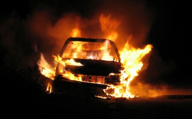Пожар во патничко возило