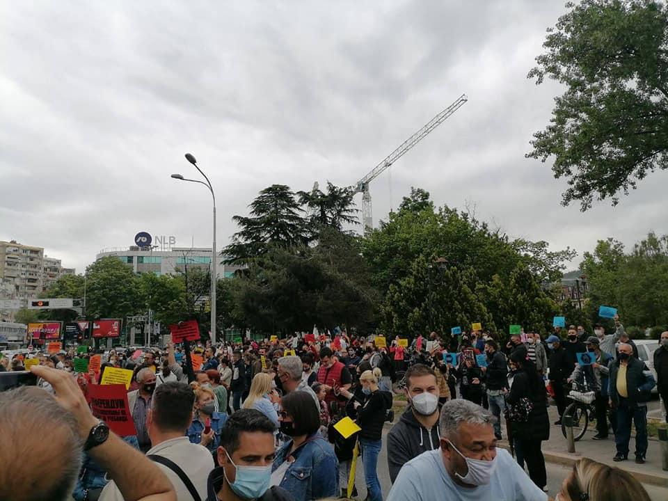 """""""Средношколски глас"""" на протестот до Царовска: СТОП на избрзани реформи, СТОП за дигитализација на овој начин!!!"""