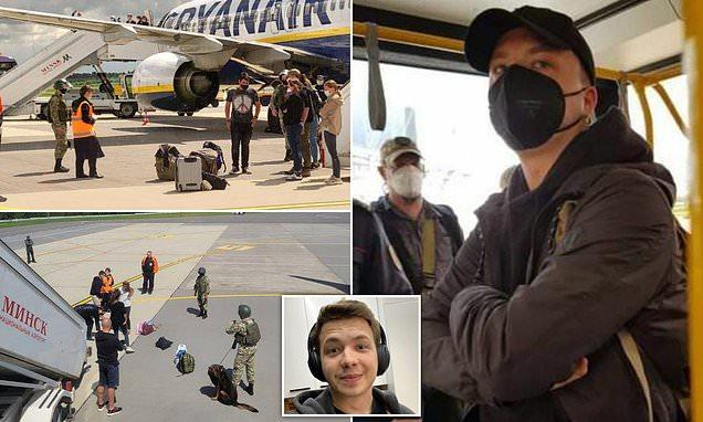 """Белоруските власти принудно слетаа авион на """"РајанЕр"""" за да уапсат блогер и опозициски активист"""
