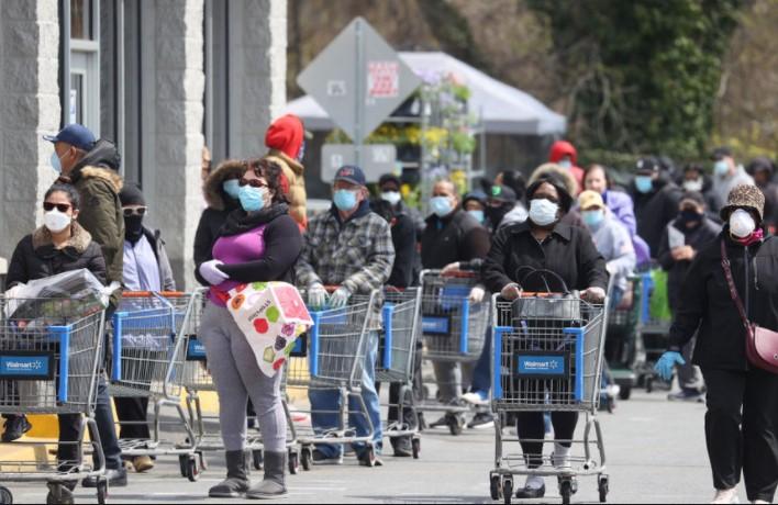 Вакцинираните во САД не мораат да носат маски и да одржуваат растојание