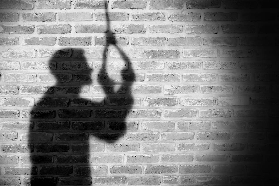 Висок процент на самоубиства, пандемијата зголеми многу фактори за нив, велат од СЗО