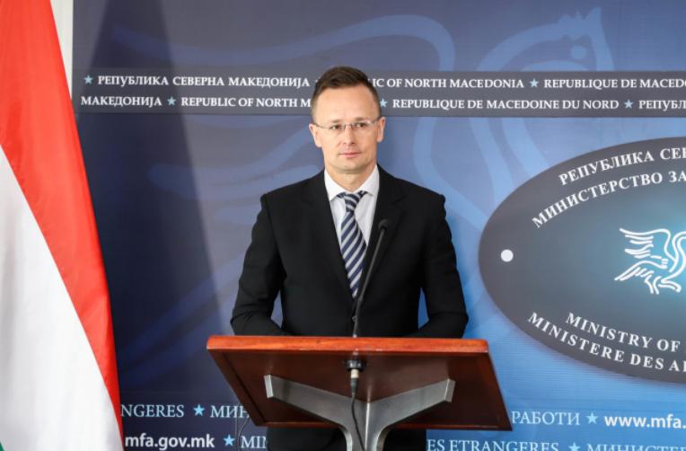 Сијарто при денешната посета на Македонија ќе ја предаде донацијата вакцини за МВР