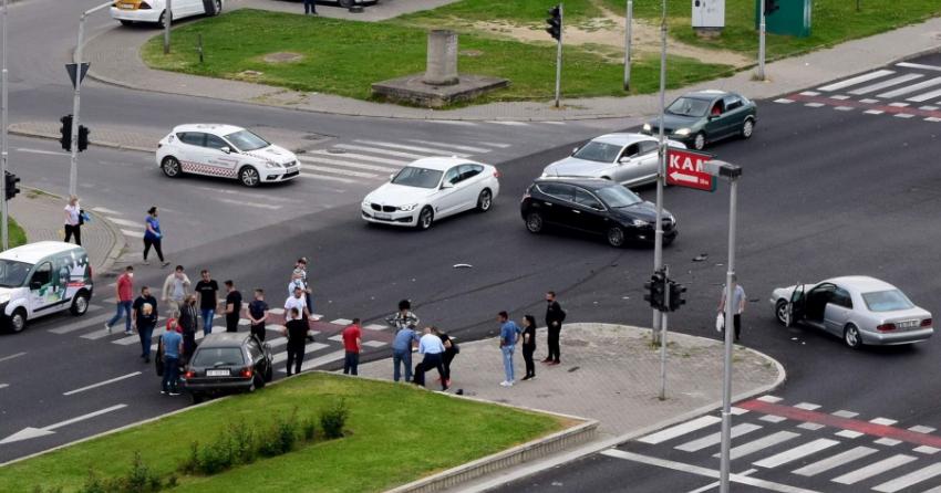 Повреден пешак и патник во возило во сообраќајката во Ново Лисиче