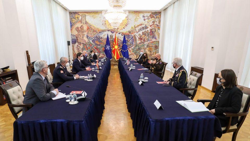 Пендаровски оствари средба со генералот Кристофер Каволи