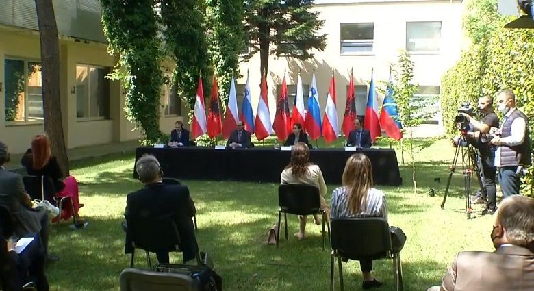 Шаленберг, Логар и Кулханек со поддршка за членството на Албанија во ЕУ