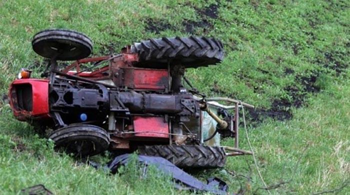 Загина млад кичевец – со трактор излетал од патот