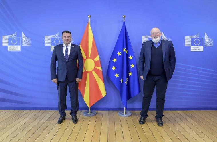 Заев – Тимерманс: Не треба да има одвојување од Албанија, Македонија ги исполни сите услови