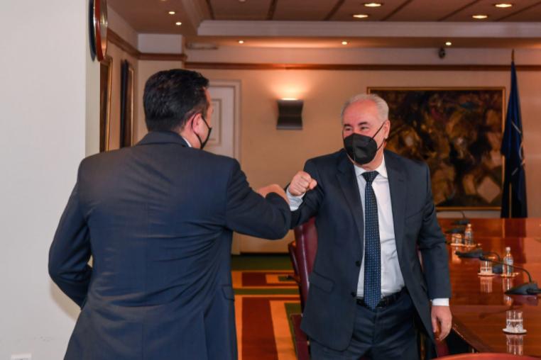 Народниот правобранител му го предаде Годишниот извештај на Заев
