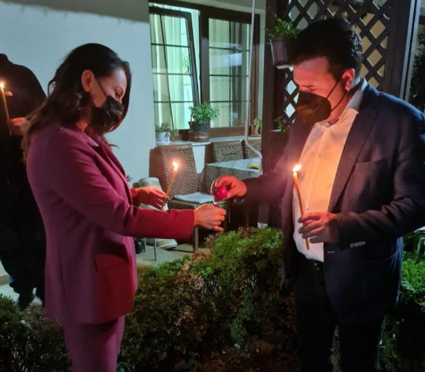 Премиерот Заев и сопругата Зорица со кршење јајца го прославија Велигден