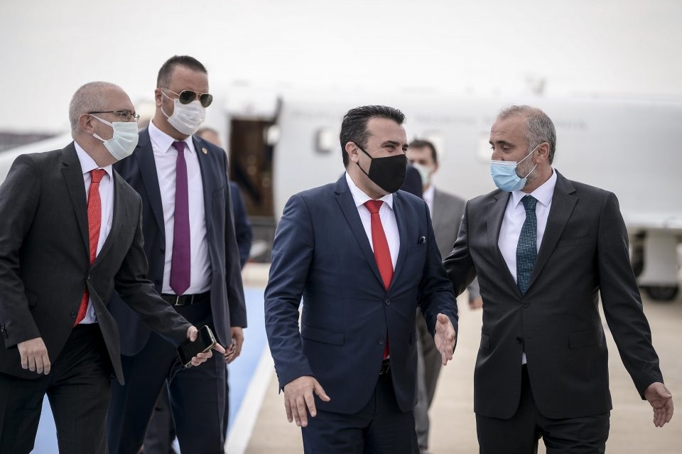(ВИДЕО) Заев и Филипче пристигнаа во Турција