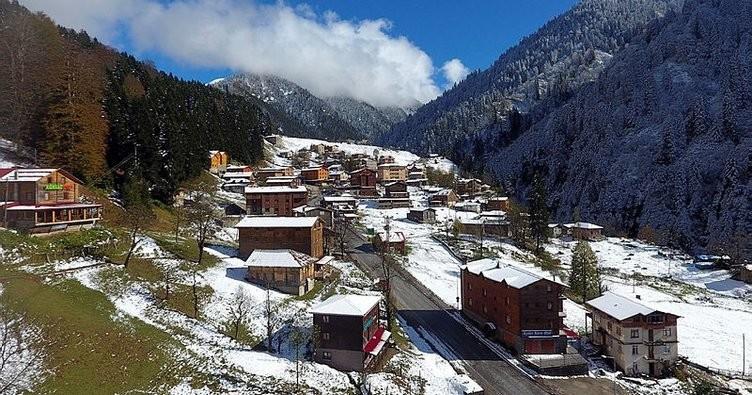 Зима во јуни – снег ги изненади жителите на Турција