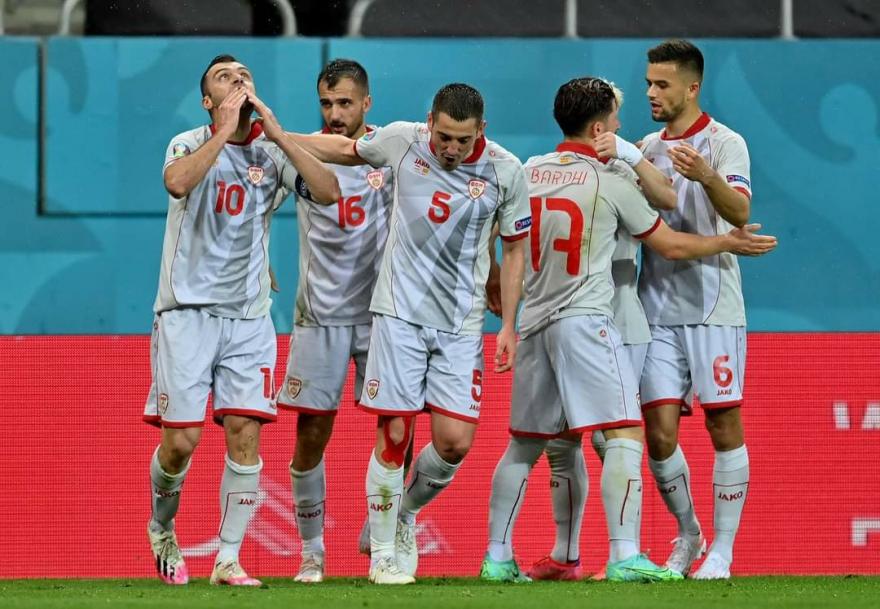 Мицкоски: Честитам момци, главата горе, Македонија ќе победи