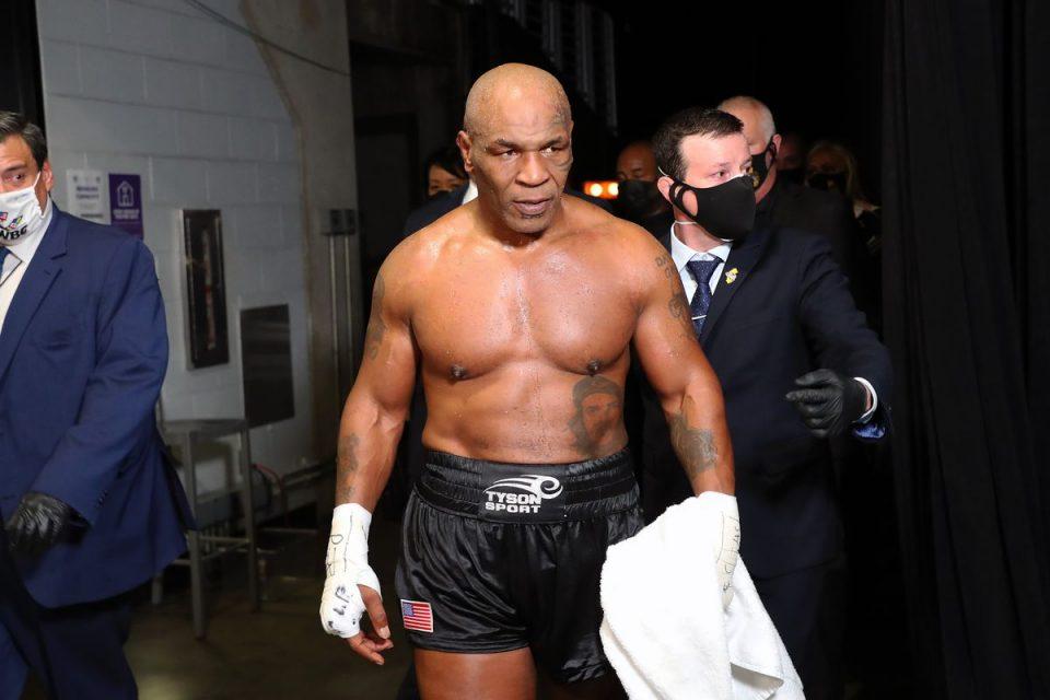 Maјк Тајсон се враќа во рингот на 54 години