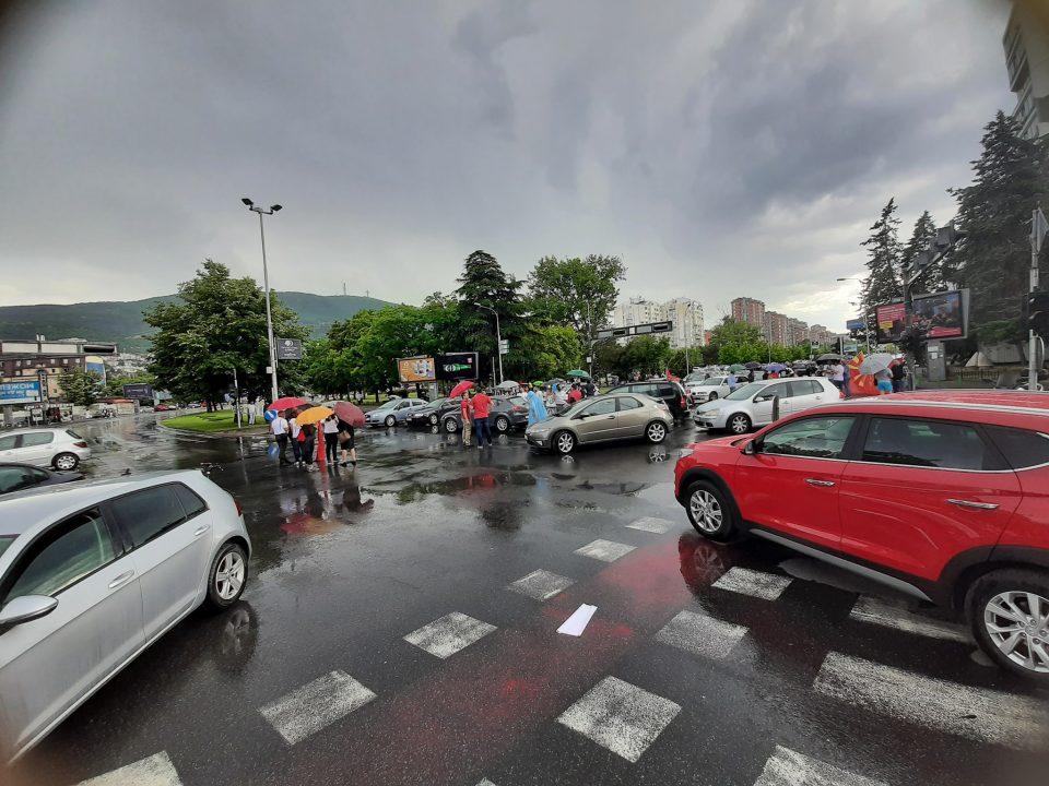 Стојаноски: Нема да се предадеме, народот мора да знае за што се преговара со Бугарија