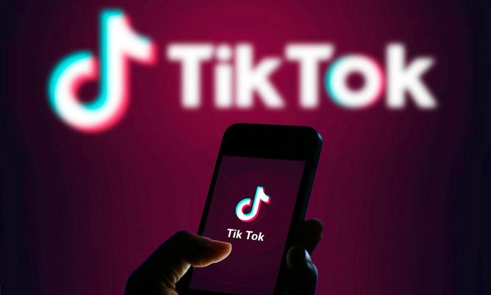 Илјадници родители oд Холандија бараат отштета од ТикТок