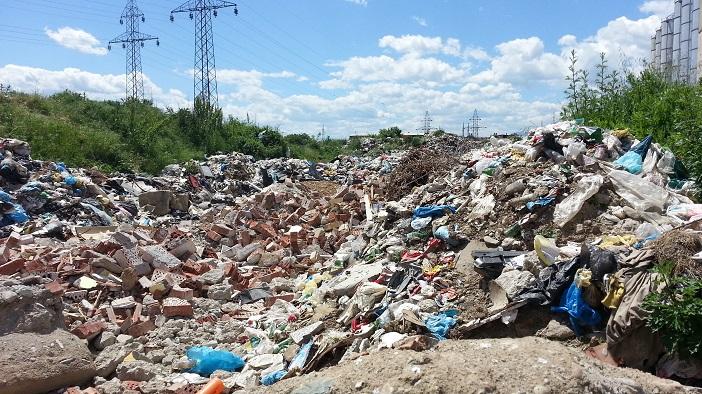 Власта во Струга не направи ниту една капитална инвестиција, но затоа направи дива депонија колку фудбалско игралиште