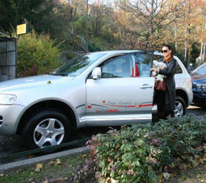 Позната хрватска пејачка се соочила со пензионерот кој и поставил апарат за следење на автомобилот