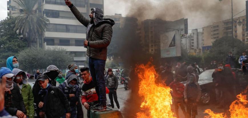 (ФОТО) Повредени 20 души на протести во Либан