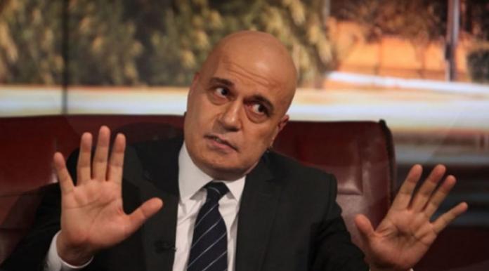 Трифонов одби средба со Заев: Македонскиот премиер се сретна со луѓе во Софија кои не се важни