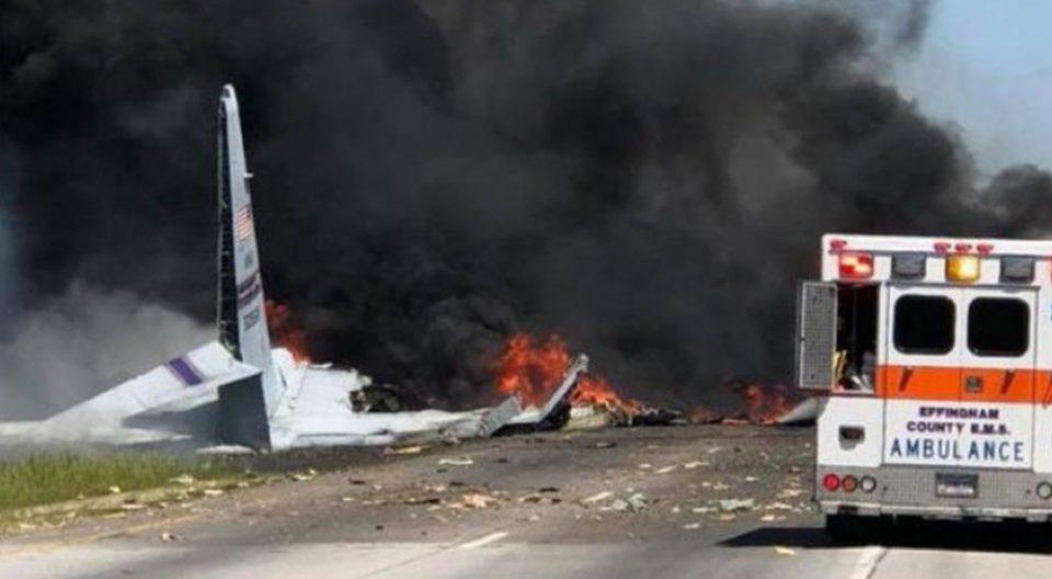 Две загинати лица во несреќа со мал авион