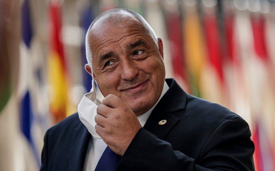 Двојно преплатените маски купени од Борисов одат во обвинителството