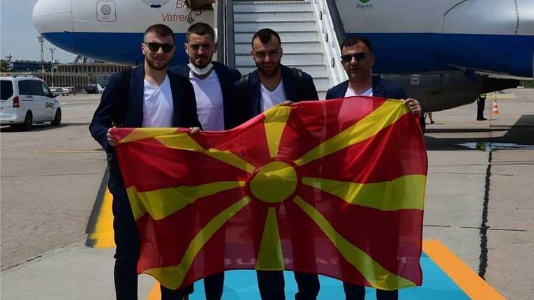 (ФОТО) Македонското сонце огреа во Букурешт, фудбалерите стигнаа во Романија