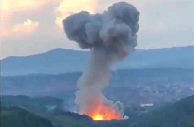 (ВИДЕО) Повторно силни експлозии во Чачак, евакуирани 350 лица
