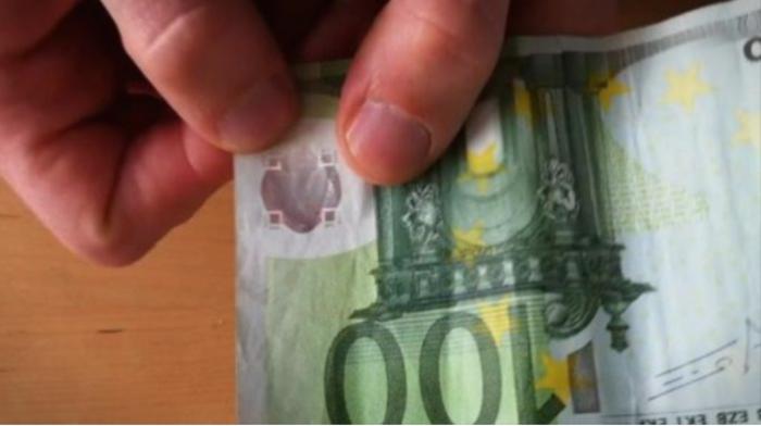 Гостиварец со лажни 100 евра си точел гориво