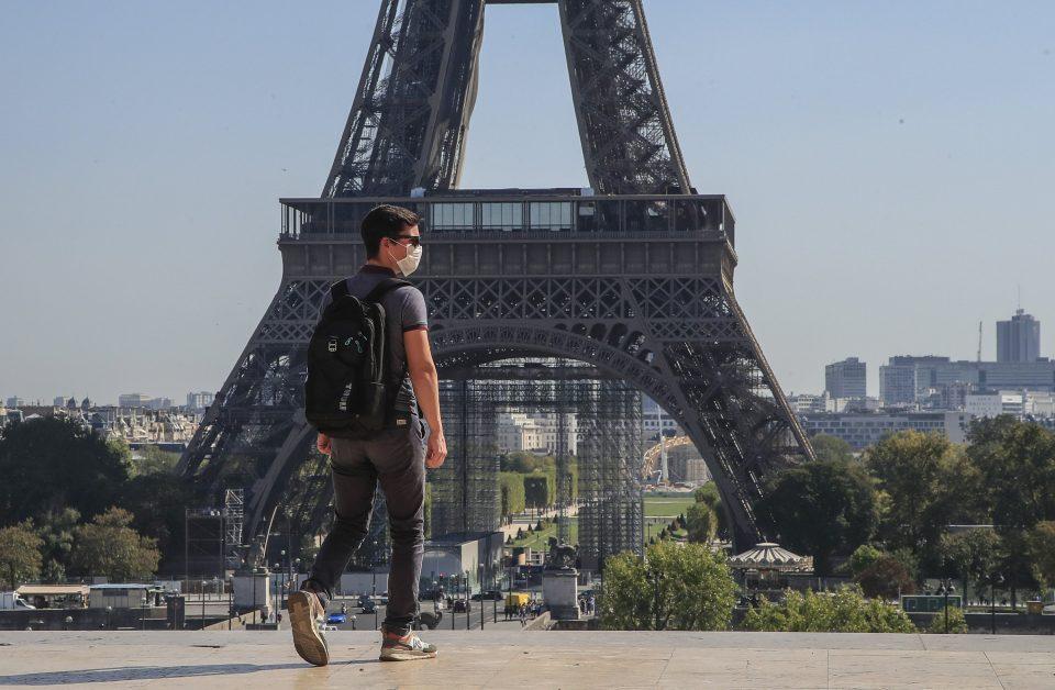 Од недела се укинува полицискиот час и носењето маски на отворено во Франција